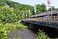 Passage en béton accolé au pont en bois (9420701955).jpg