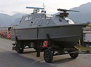 Patrouillenboot 80 Schweizer Armee Steel Parade 2006 cropped.jpg