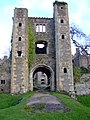 Pen-coed Castle Gate - panoramio.jpg