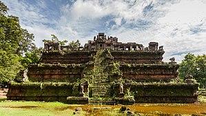 Phimeanakas - Image: Phimeanakas, Angkor Thom, Camboya, 2013 08 16, DD 06