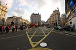 Piccadilly Circus (14776123275).jpg