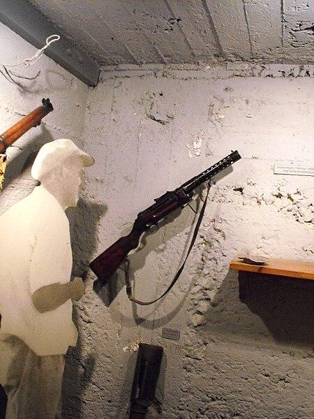 מוזיאון גשר - כלי נשק