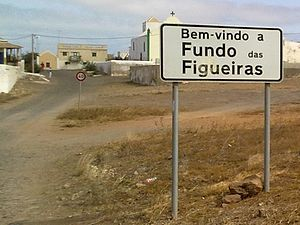 Fundo das Figueiras - Welcome sign at Fundo das Figueiras