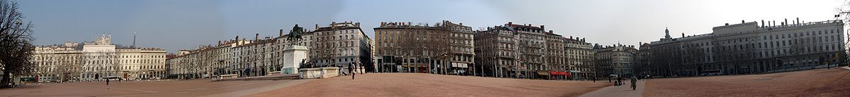 Panorama van de Place Bellecour in Lyon