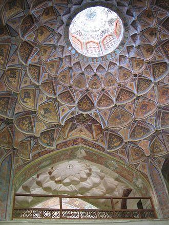 Isfahani style - Image: Plafond hasht behesht esfahan