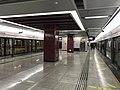 Platform of Line 2 in Niuwangmiao Station02.jpg