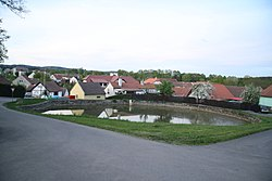 Pond in Kloužovice, Chýnov, Tábor District.jpg