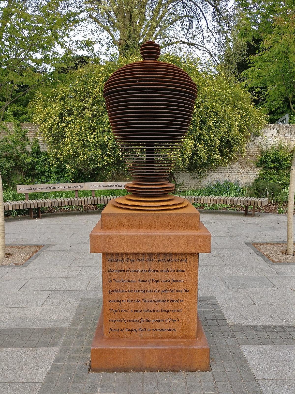 Pope\'s Urn - Wikipedia