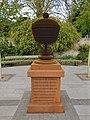 Pope's Urn, Twickenham.jpg