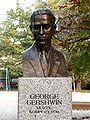 Popiersie George Gershwin ssj 20071009.jpg