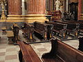Poznan, lavice v kostele.JPG