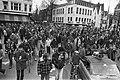 Protesttocht krakers na ontruiming door hun bezette diens Herhuisvesting demons, Bestanddeelnr 930-7553.jpg