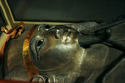 Silver anthropoid coffin of Psusennes I, Cairo Museum Psusennes.jpg