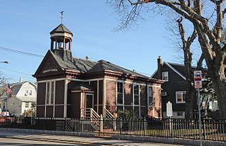 Lyndhurst, New Jersey - River Road School