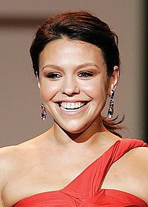 Rachael Ray, Red Dress Collection 2007 (cropped).jpg