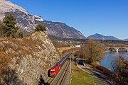 Railjet 860 approaches Jenbach, 30.12.2016.jpg