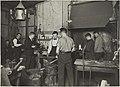 Raudantaonnan opetustilanne, 1920-luku.Taideteollisuuskeskuskoulun opetustilanteita.-TaiKV-07-009.jpg