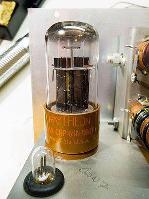 6SN7 - 6SN7 vacuum tube dual triode made by Raytheon