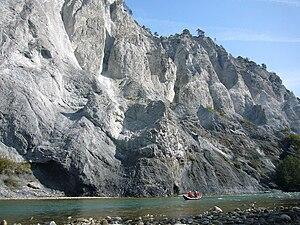 Flims rockslide - Rhine cutting through Flims rockslide debris