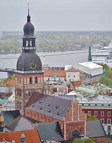 Riga Petrikirche Blick vom Turm zum Dom 3.JPG