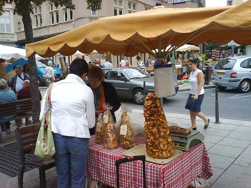 File:Rodez market.JPG