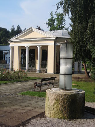 Rogaška Slatina - In the front, The Donat spring; in the background, the neoclassical Tempel Pavilion (1819, Nikola Pertsch)