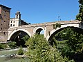 Roma - Ponte Fabricio dalla riva del Lungotevere dei Pierleoni.jpg