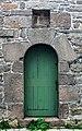 Roscoff (29680) chapelle Sainte-Anne (porte latérale).jpg