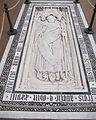 S. croce, tomba sul pavimento 81.JPG
