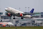 SAS Airbus A319 OY-KBT (27226193742).jpg
