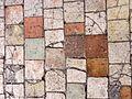 Saint-Sulpice-de-Favières (91), collégiale, tommettes du sol.JPG