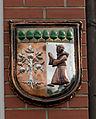 Satow Wappen am Gemeindehaus.jpg