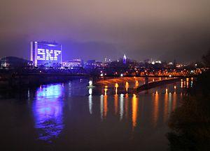 Schweinfurt und der Main bei Nacht