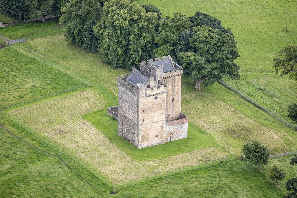 Scotland-2016-Aerial-Clackmannan Tower 02