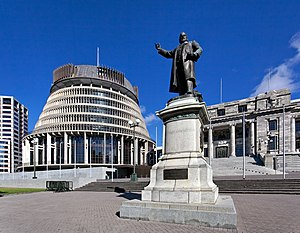 Seddon Statue in Parliament Grounds