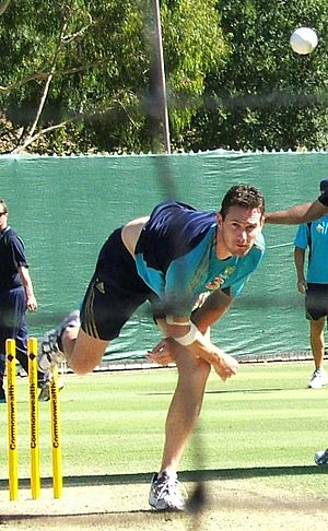 Shaun Tait - Tait bowling in the Adelaide Oval nets, January 2009