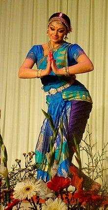 Shobana performing Bharata Natyam danceBharatanatyam Shobana