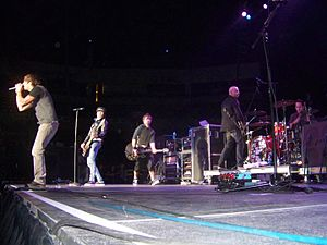 Simple Plan - The band in concert in Trenton, NJ, December 2007