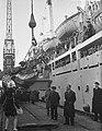 Sint Nicolaas en Zwarte Piet bezoeken het emigrantenschip de Groote Beer, Bestanddeelnr 906-8718.jpg
