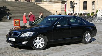 Armored car (VIP) - Armored Mercedes-Benz W221 was used by the President of Germany