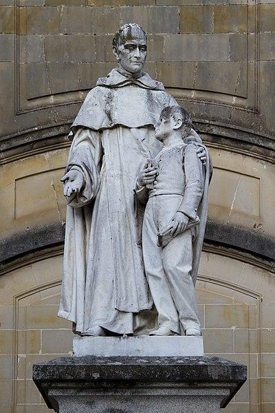 File:Sorèze - statue de Lacordaire.jpg