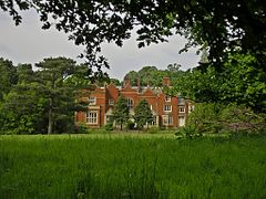 South face of Abney Hall, looking north (Cheadle, Manchester - 20 May 2007).jpg