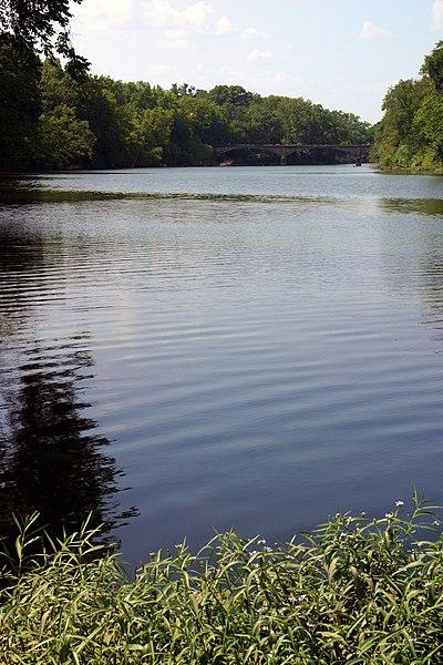File:Spring River 2006-07-03 2104.jpg