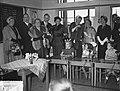 Staatsbezoek president Coty aan Nederland. Mevrouw Coty en koningin Juliana bezo, Bestanddeelnr 906-6171.jpg