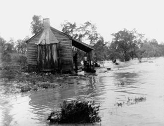 Barcoo River - House flooded by the Barcoo River, 1906.