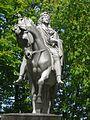 Statue de Louis XIII à la Place des Vosges.jpg