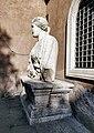 Statue parlanti - Madama Lucrezia 01.jpg