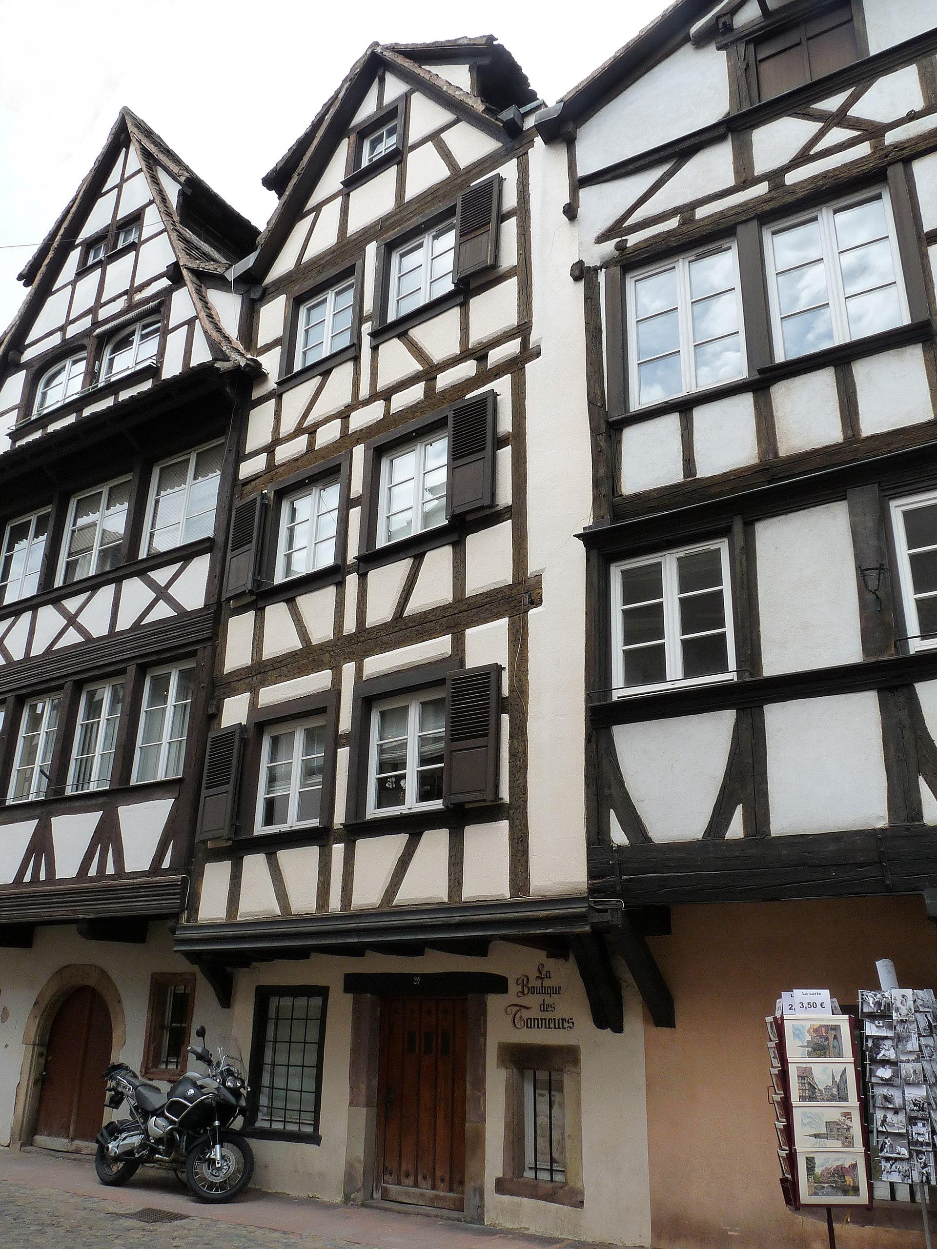 Maison au 29 rue du bain aux plantes strasbourg wikip dia for Rue du miroir strasbourg