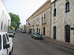 Street in Ciudad Colonial.jpg