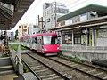 Tōkyū 305 at Wakabayashi Station-2.jpg